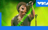 Bruno-Mars-Performs-Gorilla-at-the-2013-Video-Music-Awards-MTV