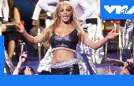 Britney-Spears-Performs-Baby-One-More-Time-at-the-1999-VMAs-MTV